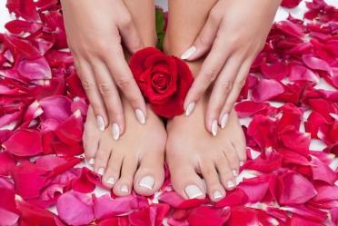 1511348899shellac_manicure_pedicure__nerisa_salon_bahrain2.jpg