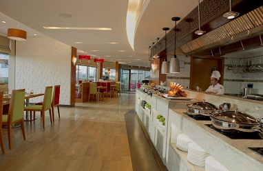 1483636604a_delicious_start_to_the_day_breakfast_buffet_at_majestic_arjaan1.jpg