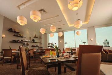 1557747175fraser_suites_seef_bahrain_iftar_tent_ramadan_bahrain.jpeg